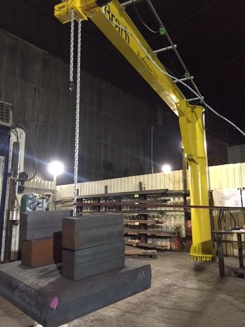Schwenksäulenkran (Slewing Crane)